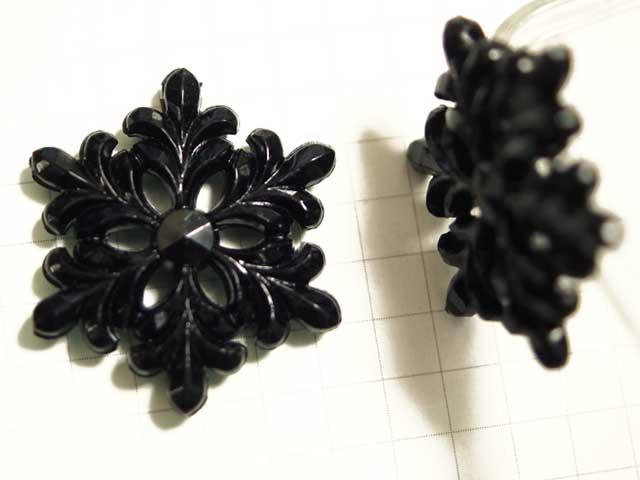 BP147SD プラスチックカボション 雪の結晶 黒