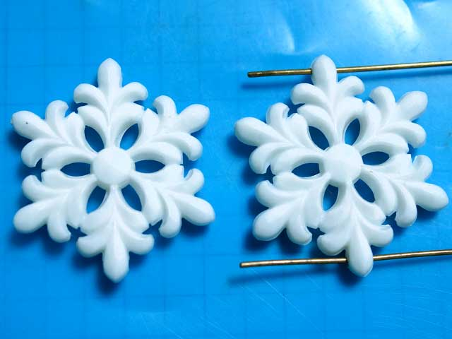 CS397SD プラスチックカボション 雪の結晶 白