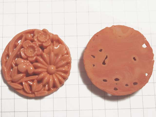 CS511SD 28mm グラスカボション 彫刻 緋色